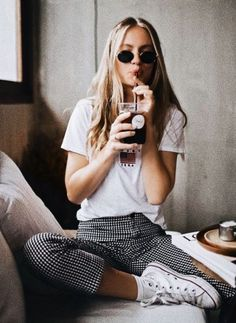 - Street Style Outfits - - Casual Ladies Fashion 3461 – Zoe Miller ~ Best Ladies Fashion … Source by thepamphoto Spring Fashion Casual, Casual Fall Outfits, Look Fashion, Stylish Outfits, Trendy Fashion, Cool Outfits, Womens Fashion, Fashion Trends, Ladies Fashion
