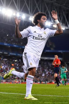 Marcelo Vieira of Real Madrid CF celebrates after scoring his team's fourth goal during the Copa Del Rey Round of 32 first leg match at Stadium on October 2014 in Barcelona, Spain. Soccer World, World Football, Football Soccer, Real Madrid Team, Real Madrid Football, Best Football Players, Soccer Players, Mc 12, International Soccer