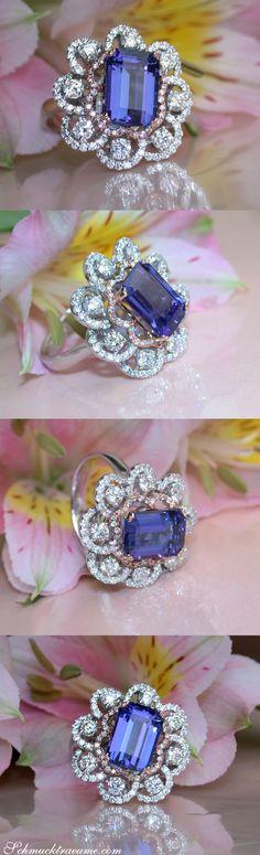 Einzigartiger AAA Tansanit Ring mit Diamanten   Unique AAA Tanzanite Diamond Ring   5.42 ct. WG & RG 14k   Explore: Schmucktraeume.com   Like: https://www.facebook.com/pages/Noble-Juwelen/150871984924926