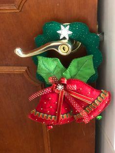 Mesh, Christmas Ornaments, Holiday Decor, Crafts, Home Decor, Craft, Vestidos, Easy Christmas Ornaments, Christmas Wreaths