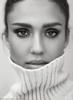 Actress Jessica Alba gets her closeup in a turtleneck sweater for Shape Magazine October 2016 issue Business Portrait, White Photography, Portrait Photography, Photography Poses Women, Jessica Alba Style, Photographie Portrait Inspiration, Actress Jessica, Shape Magazine, Celebrity Portraits