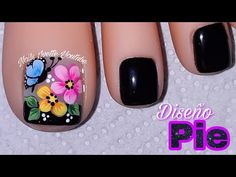 Discover recipes, home ideas, style inspiration and other ideas to try. Gold Nail Designs, Pedicure Designs, Pedicure Nail Art, Toe Nail Art, Pedicure Ideas, Pretty Toe Nails, Cute Toe Nails, Gold Nails, My Nails