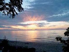 Appropriately named, Superior Shores Resort sits on the shore of Lake Superior between Ontonagon and the Porcupine Mountains, and offers guests access to a number of water activities.