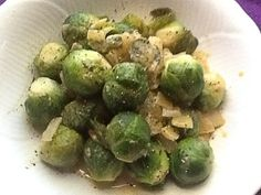 Brussels Sprouts with Maple-Mustard Sauce. This recipe will change the way you think about brussel sprouts! Add them to your favorite holiday dishes! Stovetop Pressure Cooker, Hip Pressure Cooking, Instant Pot Pressure Cooker, Pressure Cooker Recipes, Side Recipes, Whole Food Recipes, Instant Pot Veggies, Fat Free Vegan, Pots