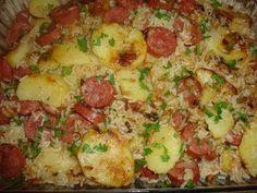 Blog da Suzy : Arroz Completo (panela de pressão) Você vai precisar de: * 2 xícaras (chá) de arroz cru; * 1 cebola picada; * Alho picado; * 4 batatas cortadas em rodelas grossas; * 2 gomos de linguiça calabresa defumada, cortadas em rodelas; * 4 xícaras (chá) de água fria; * 1 cubo de caldo de galinha; * 1 tomate sem pele e semente picado; * 1 cenoura ralada (ou legume à sua escolha); * Sal a gosto; * 2 colheres de sopa de óleo; * Temperos ( salsinha, coentro, e orégano) a gosto. Coloque na…