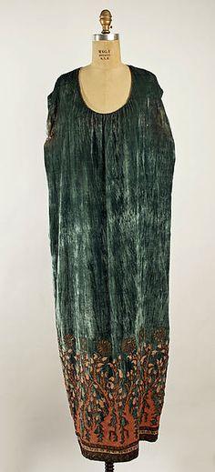Evening dress   Vitaldi Babani   French   1920-1923   silk, metallic thread   Metropolitan Museum of Art   Accession Number: 1976.134.15