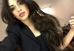 """Find and save images from the """"Camila Cabello 😍❤🎶🇺🇸"""" collection by Lethicia Faria on We Heart It, your everyday app to get lost in what you love. Camila Cabello Hair, Fifth Harmony Camren, Barbie Makeup, Camila And Lauren, Poses, Female Singers, Woman Crush, Celebrity Pictures, Girl Crushes"""