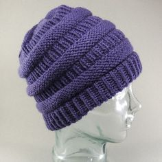 C beanie pattern by Emily Ingrid While in Chicago on a trip, I saw three different people wearing the same style hat. I noticed the first one because I stare at anything kni Beanie Pattern Free, Crochet Beanie Pattern, Knit Crochet, Crochet Hats, Free Pattern, Slouchy Beanie Pattern, Slouchy Beanie Hats, Cc Hats, Knitting Machine Patterns