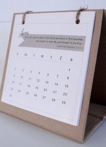 Small Stand Up Desk Calendars