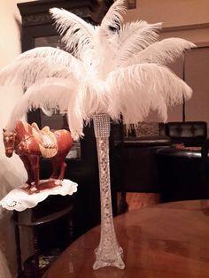 """Centro de mesa con 16"""" Torre Eiffel florero de la pluma de avestruz"""