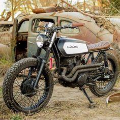 A diamond among the wreckage. 1994 Honda CB250 scrambler built by Argentina'a Matt Aguirre. Found via @bikeboundblog. Thanks for sharing! #dropmoto #streettracker #builtnotbought #honda #hondacb250 #cb250 #hondacb #scrambler