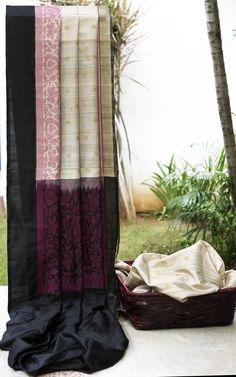 Lakshmi Handwoven Banarasi Tussar Silk Sari 000385 - Saris / Banarasi - Parisera