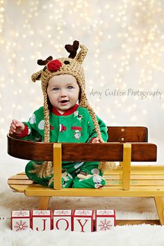 So, so cute!! Great holiday inspired toddler photo.