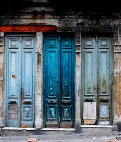 #architecture #doors #blue #decayed (Source: notesondesign)