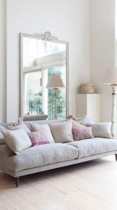 I am looking forward to working with softer, more airy tones in the upcoming year. I think materials like pale woods, pastel paint colours and light metals will be an important part of design in 2016. Gabriella Palumbo, Interior Blogger @flat15