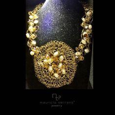 Collar Tejido Hilo de Plata Dorado y Perlas Cultivadas. Colección Tejido. #UnaVerdaderaJoya
