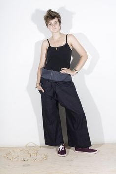 """Thai Fishermen's Pants on BurdaStyle.com // I would love these if I was a) """"skinny"""" and b) I would use them while painting, doing my art, etc... probably not a wear-for-my-man attire. lol but a fun pant."""