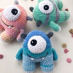 Easy and simple crochet plush monster pattern, good way to destash leftover yarns and turn them into a cute toy amigurumi. The finished monster is 15 cm tall. Crochet Animal Patterns, Stuffed Animal Patterns, Crochet Elephant Pattern Free, Cute Crochet, Crochet Dolls, Simple Crochet, Crochet Animal Amigurumi, Crochet Summer, Amigurumi Doll Pattern