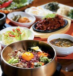 Yummy bibimbap, je-yuk bokkeum, and banchan! South Korean Food, Korean Street Food, K Food, Food Porn, Korean Dishes, Food Festival, I Love Food, My Favorite Food, Asian Recipes