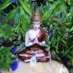 Buddha - A prayer in the garden