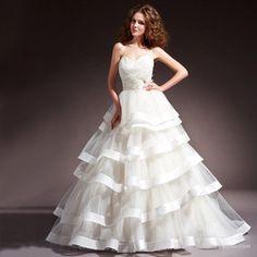 Simple Vintage Long Train Bridal Dress