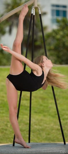 It's Mia Diaz; amazing dancer & has been featured on Dance Moms Miami