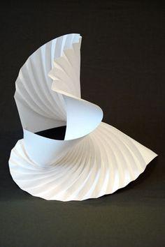 Galerie / Matthew Shlian, paper engineer / étapes: design & culture visuelle Gestuel, déploiement, ondulations, fluidité, légèreté, grâce.