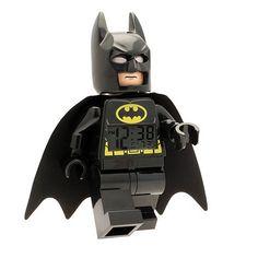 Ce Réveil Batman Lego est un peu le rêve de tous les fans de ce super héro ! Avoir Batman qui veille sur nous sur notre table de chevet, c'est quand même la grande classe !