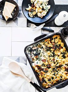 Carbonara-pastavuoka | K-Ruoka Finnish Recipes, Dessert Recipes, Desserts, Gnocchi, Macaroni And Cheese, Pasta, Beef, Dinner, Ethnic Recipes