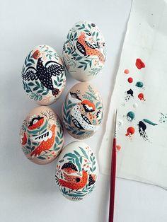 http://www.artisticmoods.com/painted-easter-eggs-by-dinara-mirtalipova/ dinara mirtalipova Easter eggs folk art