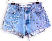 dochters vinden dat leuik  High Waisted Jean Shorts - Shredded Studded