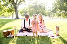 Vintage Picnic Family Photo Melissa McClure Photography