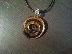 Espiral verde y marrón clara