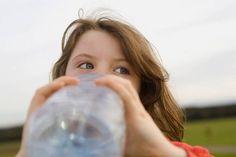 Πόσο νερό χρειάζονται τα παιδιά την ημέρα;