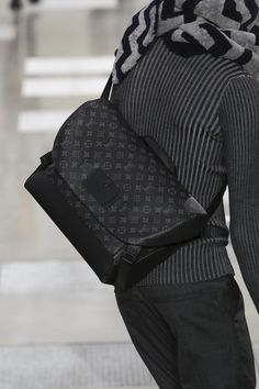 louis vuitton bags 2017 black. louis vuitton menswear fall winter 2016/2017 paris bags 2017 black l