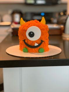 Another cute furry monster!     #cake #fondant #buttercream #monstercake #smashcake #monstersmashcake #birthday #birthdaycake #cakedecorator #decoratedcake #desmoines #desmoinesiowa #yum #thesweetestthing