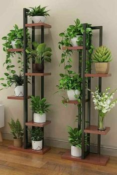 House Plants Decor, Plant Decor, Home Room Design, Home Interior Design, Small Balcony Garden, Vertical Garden Wall, Garden Beds, Decoration Plante, Flower Stands