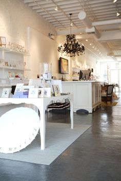 Smitten Boutique - West Loop