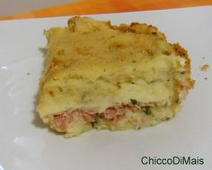 Gattò o gateau di patate (ricetta classica). Ricetta piatto unico rustico: gateau di patate, sformato di patate lesse con prosciutto cotto e mozzarella