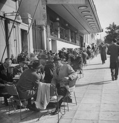1948 ~ Syntagma square, Athens (photo by Dimitri Kessel) Greece My Athens, Athens Hotel, Athens Greece, Greece Pictures, Old Pictures, Old Photos, Greece History, Athens Airport, Greece Photography
