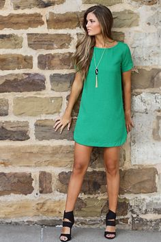 For Me: bubble gum shift dress - green Chic Outfits, Dress Outfits, Fashion Dresses, Cute Dresses, Casual Dresses, Short Dresses, Green Shift Dress, Boutique Clothing, Women's Clothing