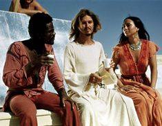 Mostly I love this behind-the-scenes pic from Jesus Christ Superstar. I didn't really read the article.