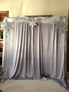 Winter Wedding Backdrop Booth Ideas beautiful winter onederland first birthday party backdrops winter and winter wonderland party The post Winter Wedding Backdrop Booth Ideas appeared first on Lynne Seawell& World. Winter Wonderland Decorations, Winter Wonderland Birthday, Winter Wonderland Babyshower, Winter Wonderland Ball, Winter Party Decorations, Wedding Decoration, Winter Onederland, Party Kulissen, Ideas Party
