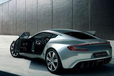 Aston Martin One 77 steht zum Verkauf Wie wäre es mit einem Schnäppchen zu Weihnachten? Aston Martin hat vom One-77 nur 77 Stück von Hand gefertigt. Jetzt wird in Dubai einer angeboten. Knapp 1,5 Millionen Euro soll er kosten. Das ist der Neupreis inklusive der...