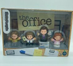 The Office Fisher Price Little People Jim Pam Dwight Michael Dunder Mifflin New | eBay Jim Pam, Dunder Mifflin, Ebay Auction, Fisher Price, Little People, The Office, The Collector, Lab, Short People