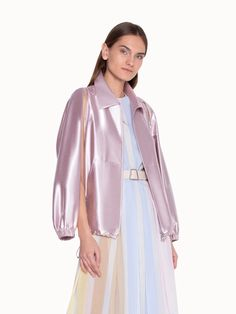 Akris® Official – Shiny Blouson in Lurex Hidden Hood Summer Wardrobe, Summer Outfits, Stylists, How To Wear, Dresses, Rain, Closure, Bright, Coats