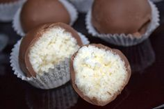Smakowity Blog Kulinarny: Praliny kokosowe w mlecznej czekoladzie
