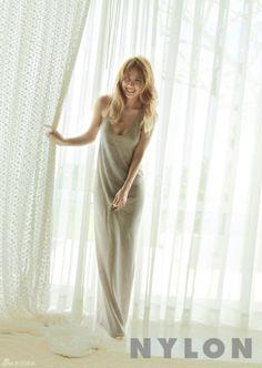 Lee Hyori on the Cover of Nylon Korea March 2012 Asian Fashion, Look Fashion, Spring Fashion, Fashion Ideas, Jung So Min, Korean Women, Korean Girl, Lee Hyori, Famous Amos