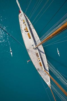 Discover the Elena Schooner: Old-Style Elegance on The Milliardaire: http://www.themilliardaire.co/yacht/elena-schooner-10874/ … pic.twitter.com/PEqYdtZYFG
