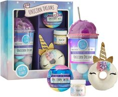 This Fizz & Bubble Unicorn Gift Box is a fun, rainbow flurry of moisturizing treats, perfect for friends and family!